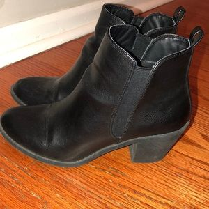 Black booties size 8 from Forever 21.
